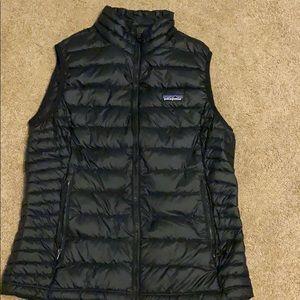 Patagonia black puffy vest